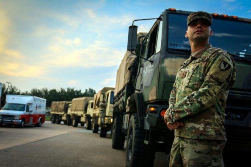 אחרי ההוריקן: אלפי חיילים הגיעו לפלורידה למנוע מעשי ביזה