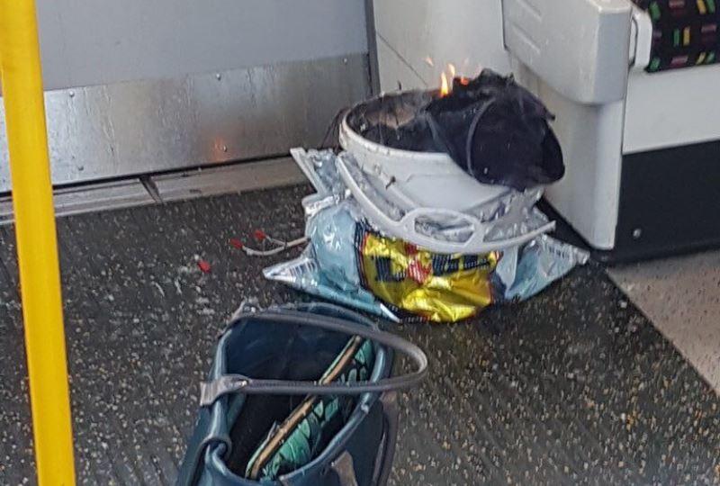 """פיצוץ ברכבת התחתית של לונדון: """"כדור אש עף בתוך הקרון"""" • צפו"""