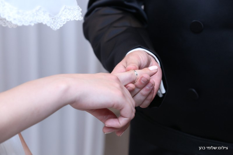 הזוי: חתן וכלה צעדו לבני ברק 8 שעות בשבת