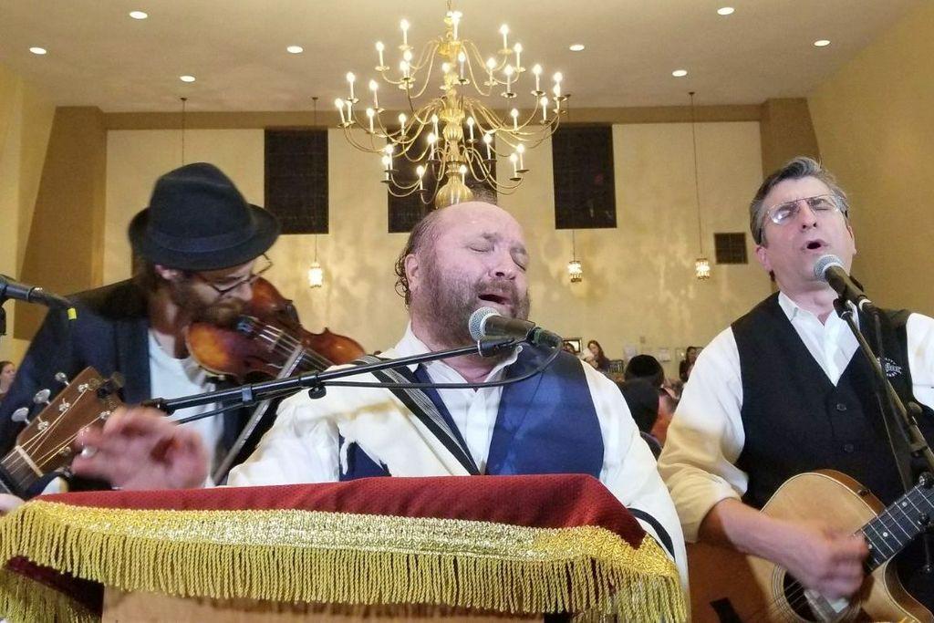 יהודה גרין כבש את מנהטן עם סליחות קרליבך • תיעוד