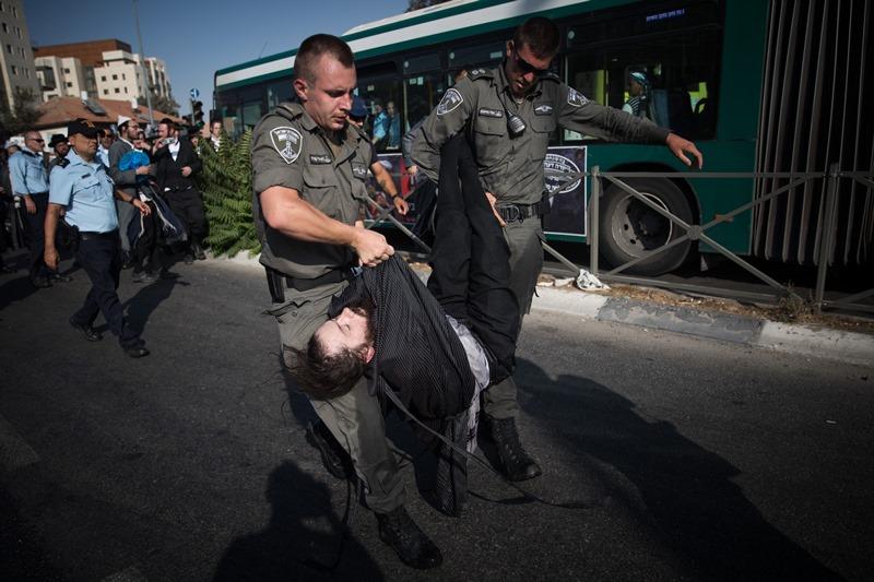 """הח""""כים לטובת הקנאים: """"לנקוט בצעדים נגד השוטרים"""""""