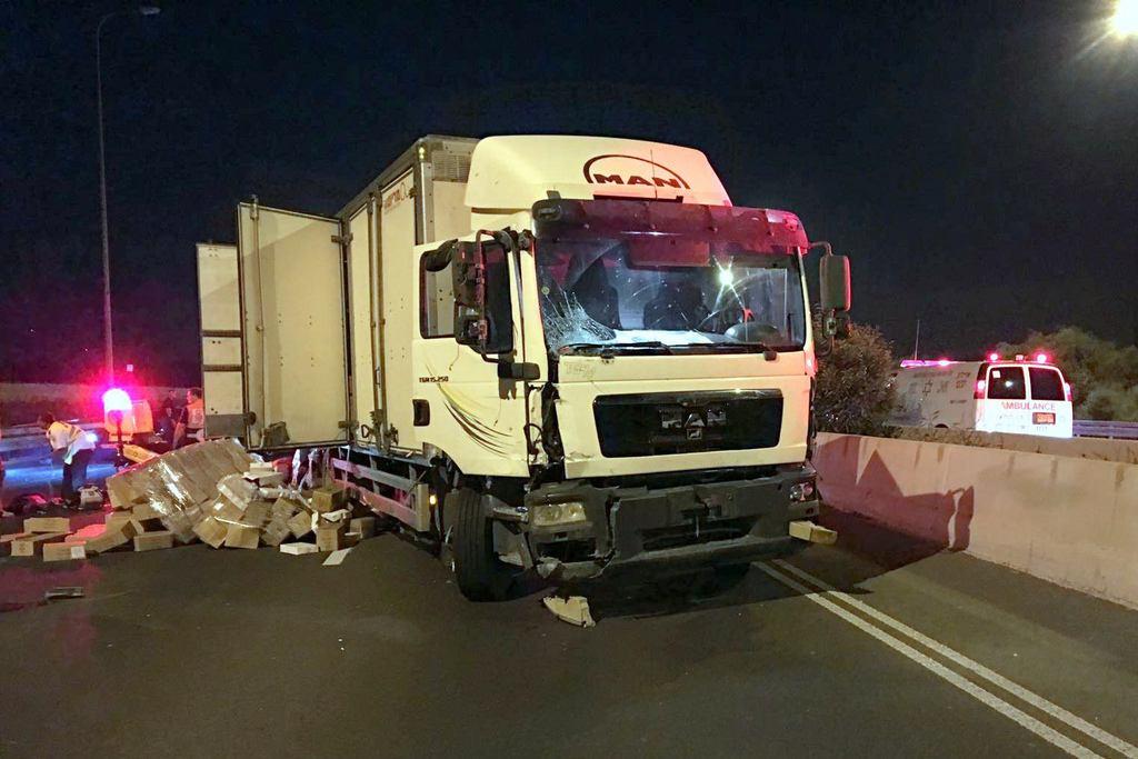 תאונה מחרידה בכביש 4: שלושה נהרגו, שניים נפצעו קשה