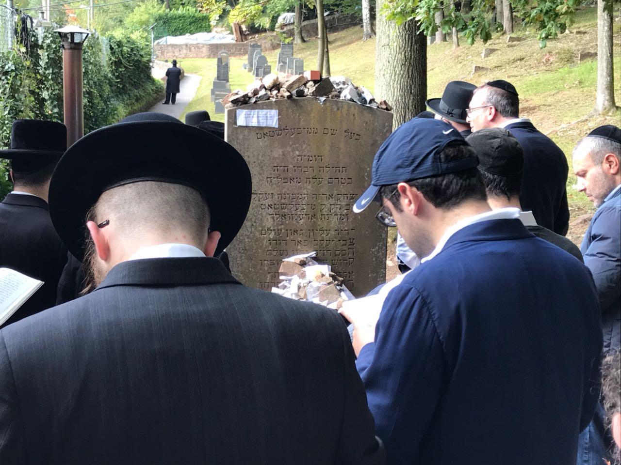 """הרבנים יצאו להתפלל: """"מקווים שתוקם קואליציה בלי הימין הקיצוני"""""""