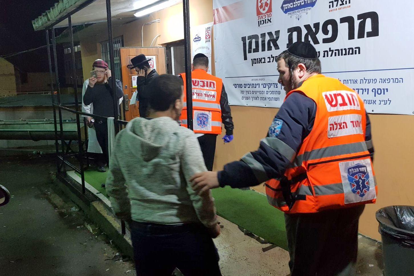בדרך חזרה מאומן: יהודי דקר משגיח כשרות