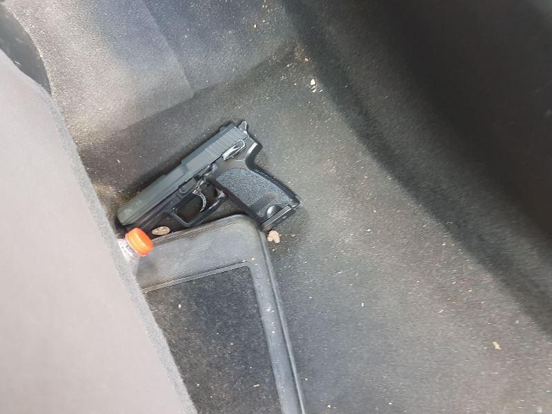 השודדים מבני ברק אותרו עם אקדח וסכין