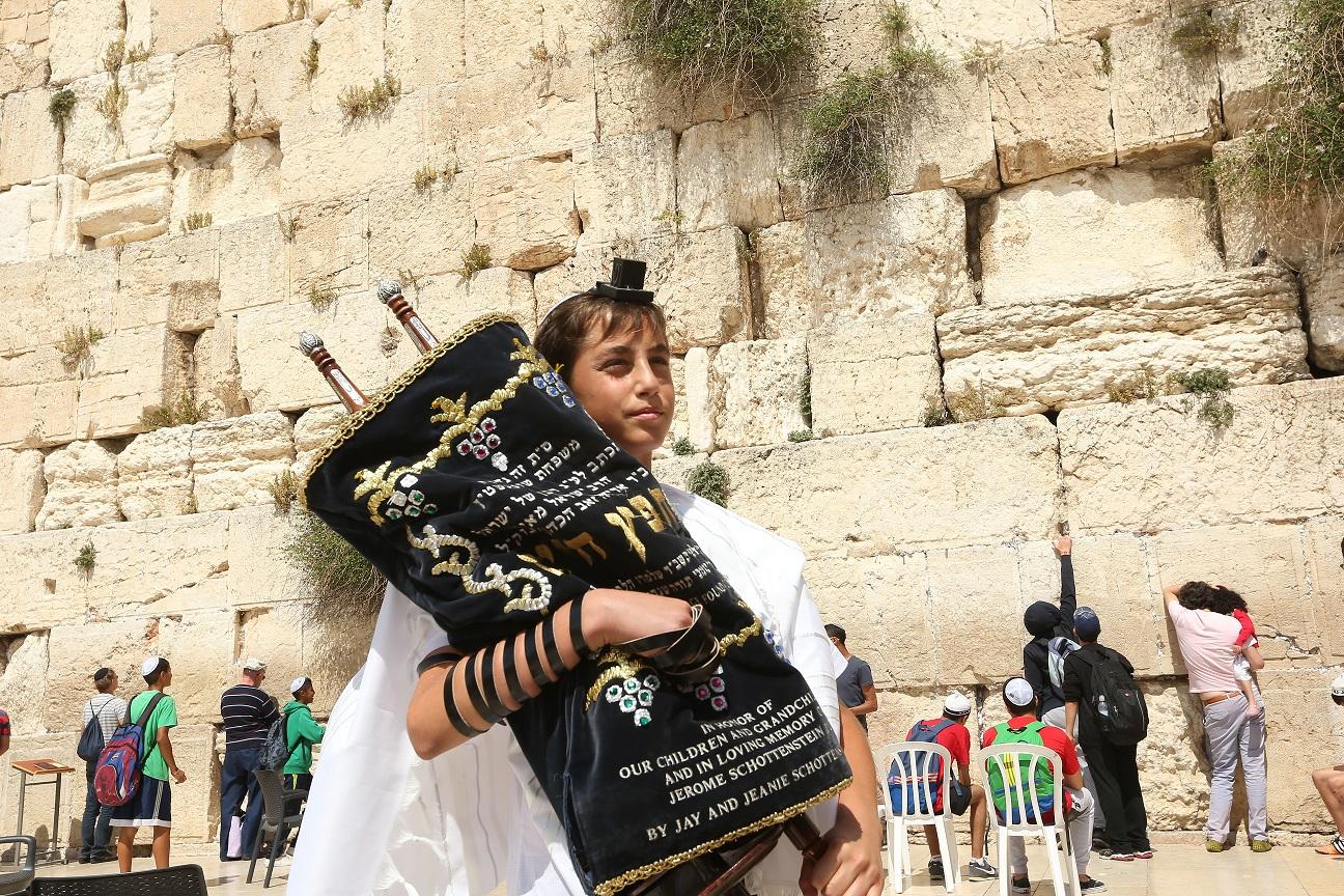 ברכת כהנים המונית למען עם ישראל בכותל המערבי