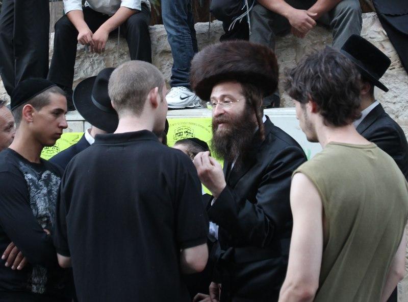 """מאבק השבת חוזר לירושלים: """"חילול חג המוני"""""""