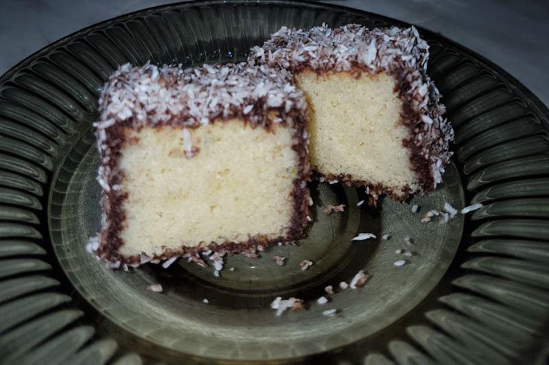 עוגת למינגטון - גם סיפור וגם מתכון