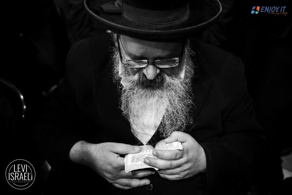 עשרים וארבע שעות אצל רבי לוי יצחק מברדיטשוב • גלריה מרהיבה
