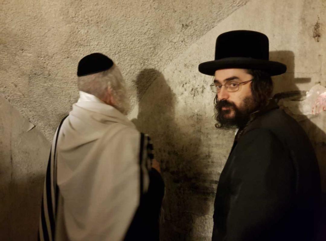 הרב ברלנד בקבר יהושע בן נון  • תיעוד לילי