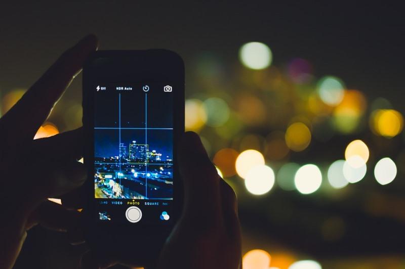 מה עושים עם אלפי התמונות בסמארטפון? יש פתרון