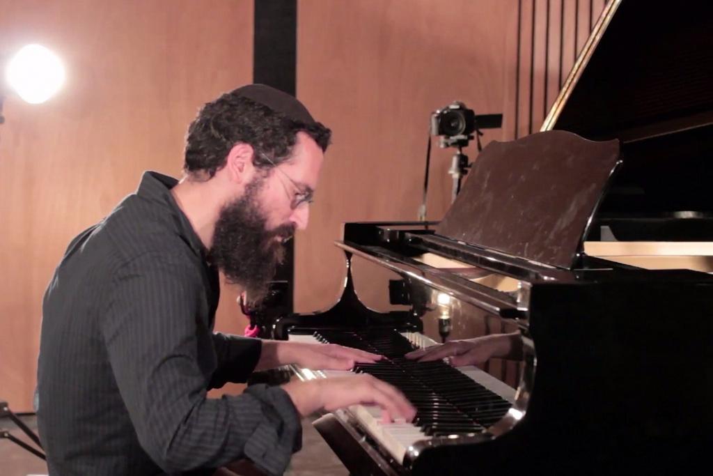 לקראת השבת העולמית: ביצוע פסנתר ייחודי ל