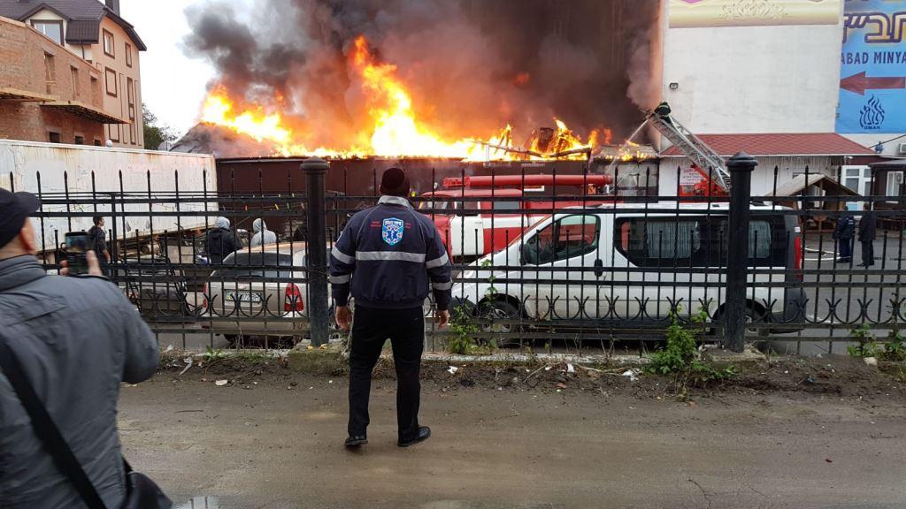פריז: 3 שנים לטבח בהיפר כשר - חנויות הוצתו