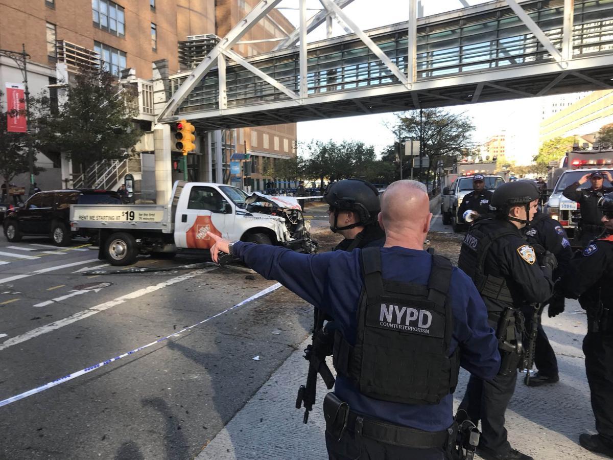 """נהג המשאית פרץ לשביל האופניים, פתח בירי וצעק """"אללה אכבר"""""""