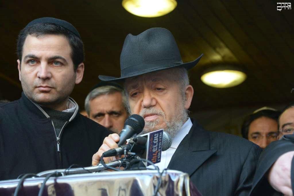 """הרב מאיר מאזוז ספד לנרצחי הפיגוע: """"די לשנאה, עלינו להתאחד"""""""
