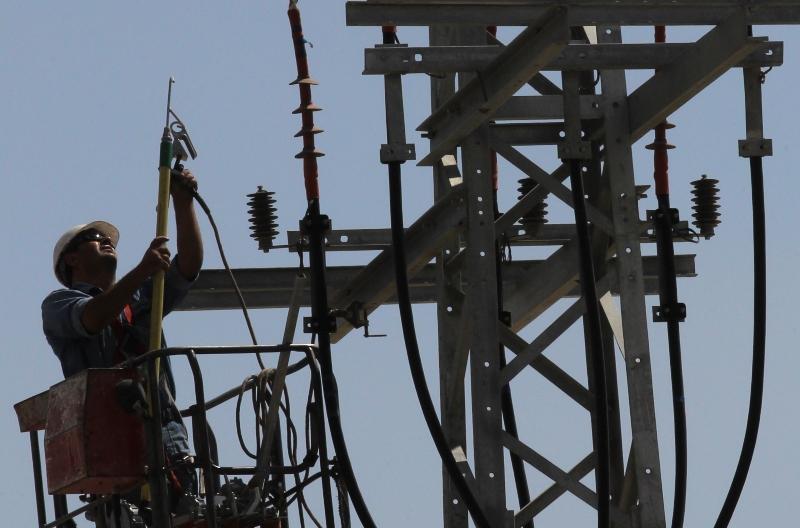 החשמל יוזל מחר אבל המחיר עוד עלול לזנק