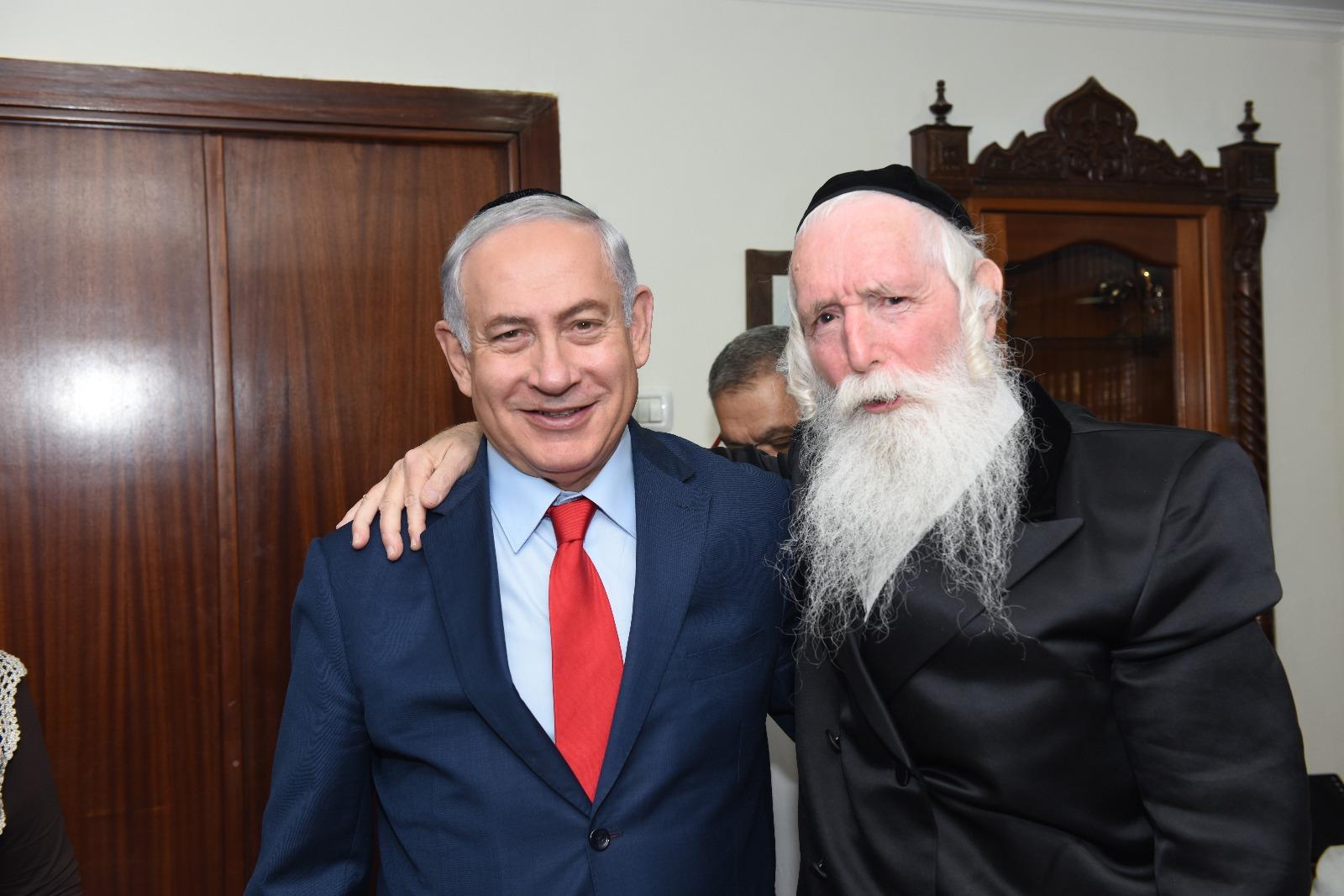 ביקור ונשיקה: נתניהו וכחלון בביקור חולים אצל הרב גרוסמן