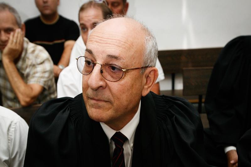 """עו""""ד יצחק מולכו הוא איש סודו של נתניהו החשוד בהפרת אמונים"""