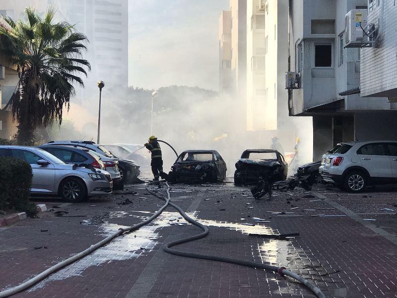 פיצוץ החריד את אשדוד: ששה רכבים נשרפו