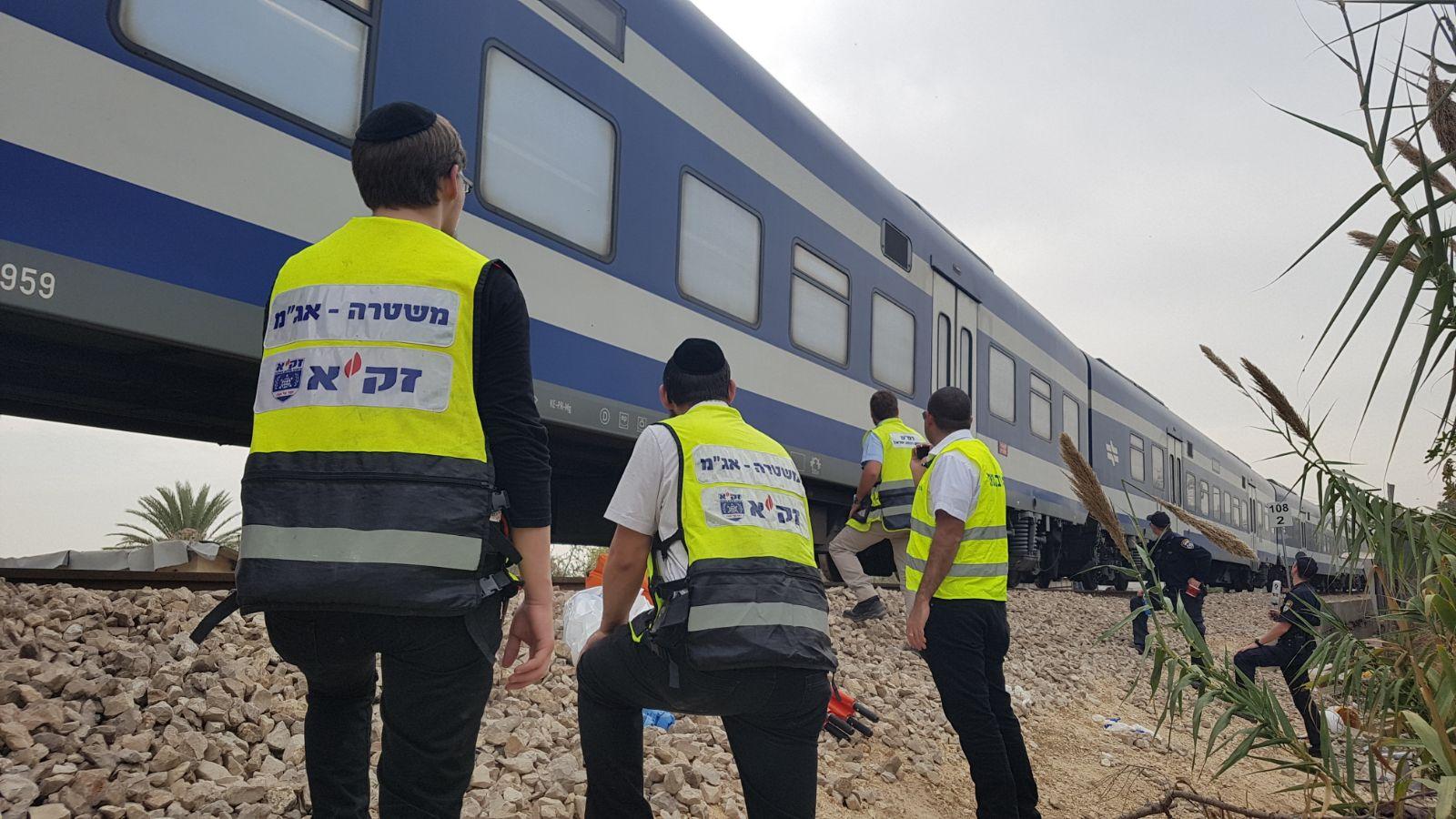 """אסון: צעירה נהרגה מפגיעת רכבת בכפר חב""""ד"""