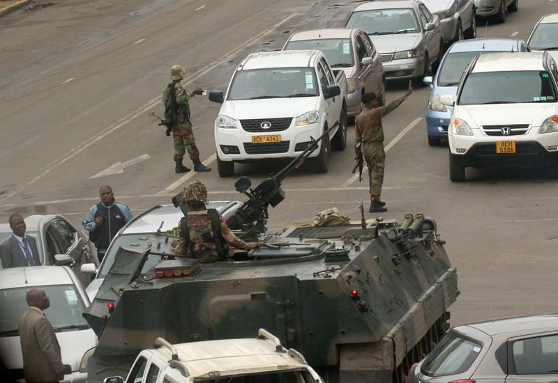הפיכה צבאית בזימבבואה: הצבא הדיח את הרודן ושולט במדינה