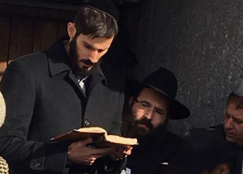השחקן המפורסם הגיע לתפילה אצל הרבי
