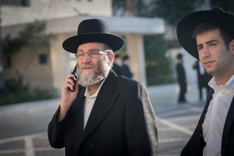 המאבק על השבת: משאל טלפוני חריג
