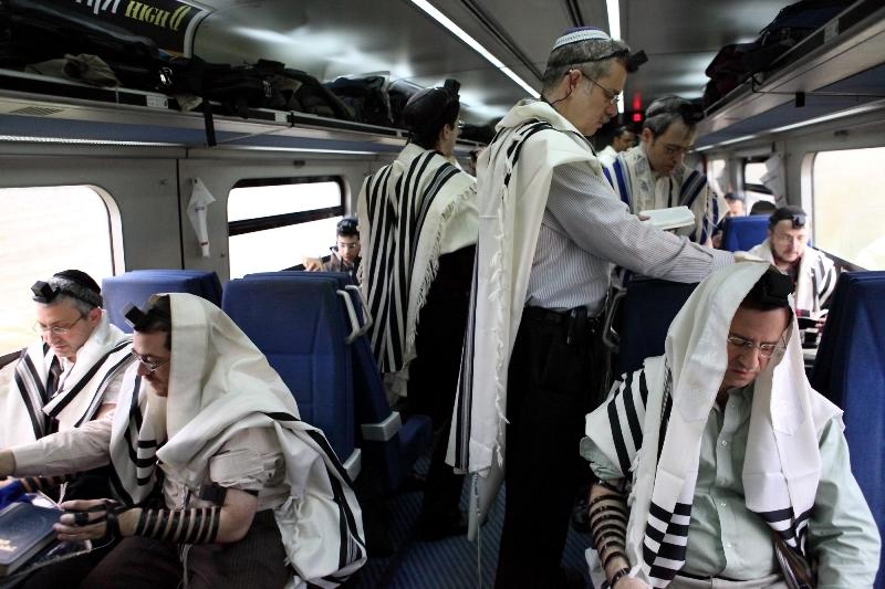 רכבת ישראל פיזרה כספים והפסידה מיליונים