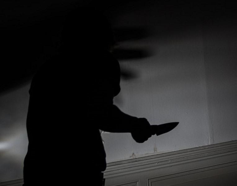 קשיש בן 80 נעצר לאחר ששדד באיומי סכין