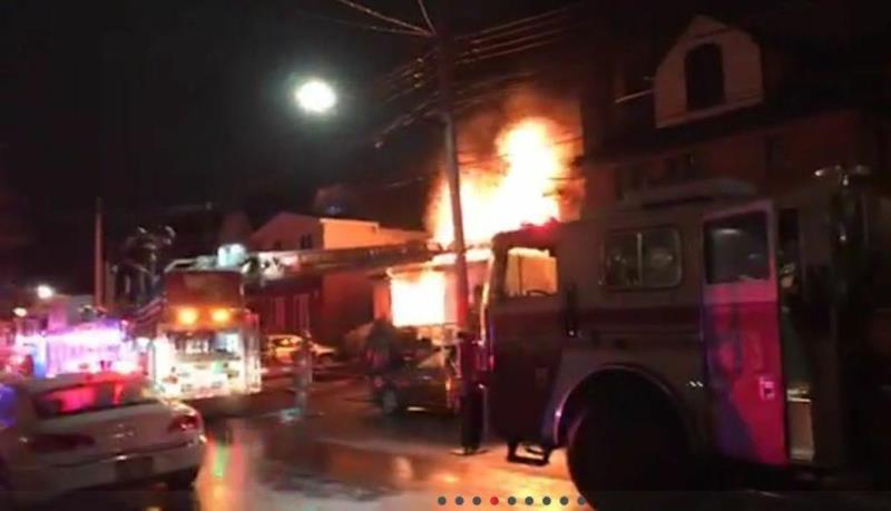 האב נכנס לתוך האש והציל 2 ילדים - כשניסה לחזור נפצע קשה