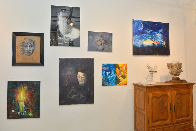תערוכת אמנות נדירה: להפוך חושך לאור