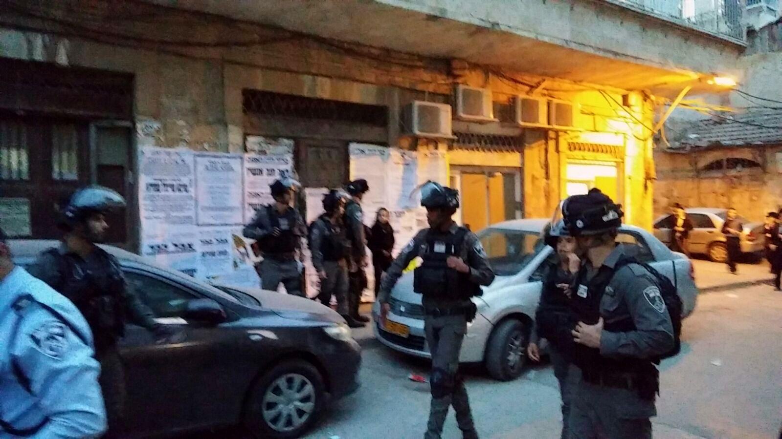 צפו: השוטרים הגיעו למאה שערים - והותקפו