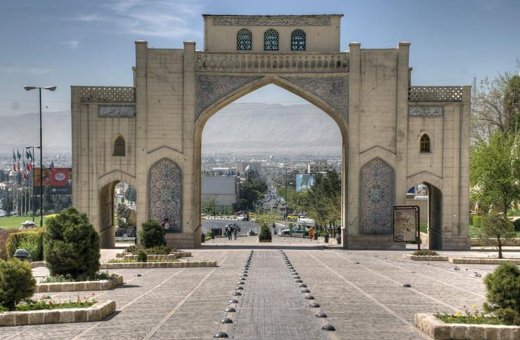 איראן: בית כנסת בשיראז חולל בצורה קשה
