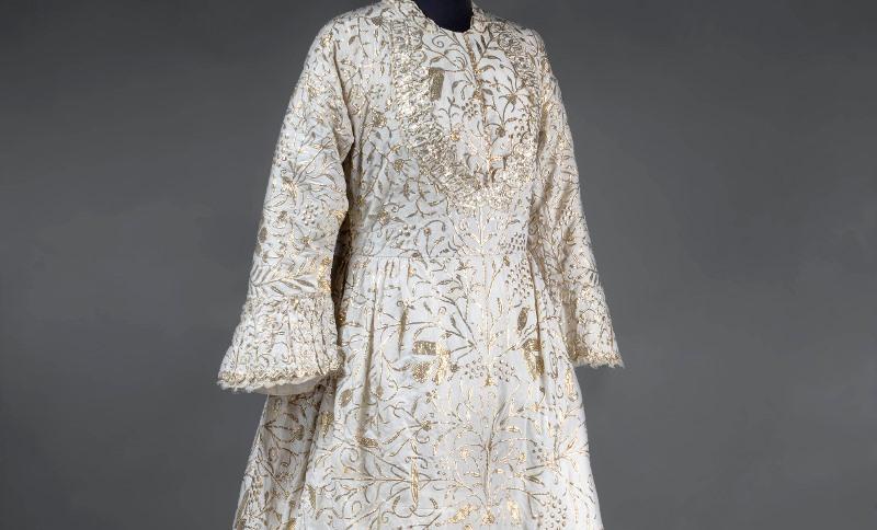 שמלת הכלה המסורתית והעתיקה מבגדד מוצגת במוזיאון ישראל