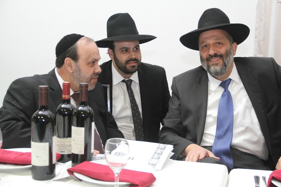השר לשרותי דת דוד אזולאי יתפטר מהכנסת: בנו ינון יכנס במקומו
