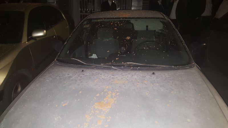 במרכז בני ברק: ערבים מיידים אבנים • נהגים זועמים על המשטרה