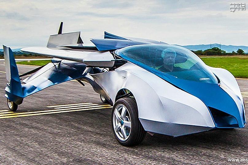 פרארי עם כנפיים: המכונית המעופפת