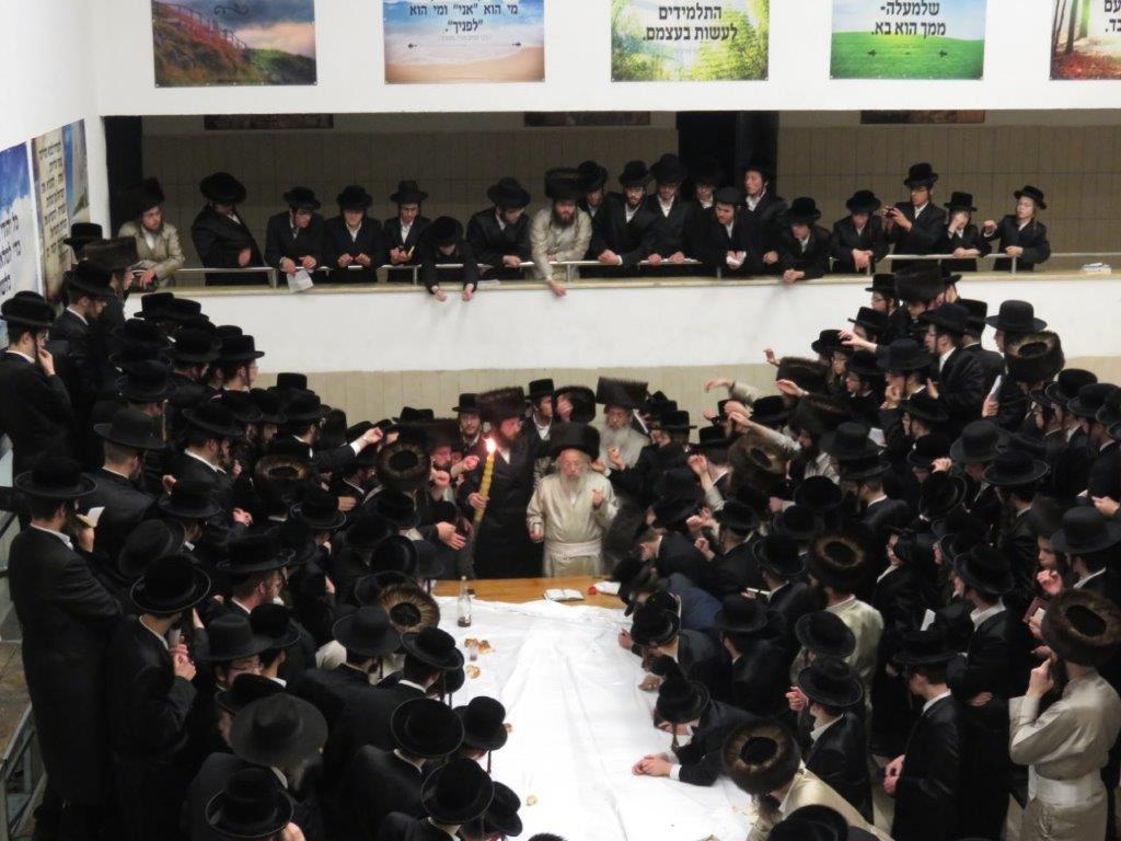 מבית ישראל למגדל העמק: הרבי שבת עם הבחורים