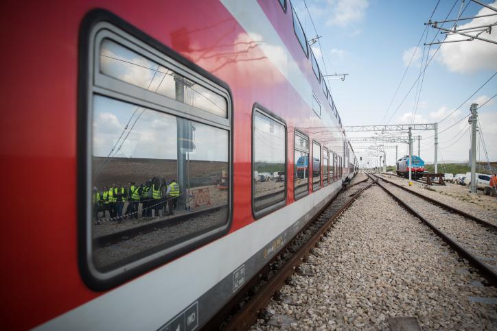 מלחמת האגו שמונעת את שחרור הפקק של הרכבות בגוש דן