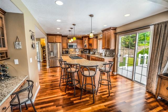 איך לרהט את הבית במינימום עלות?