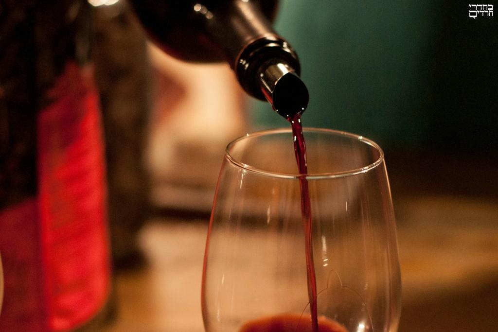 לשתות את הארבע כוסות הנכונות • ביקורת יין