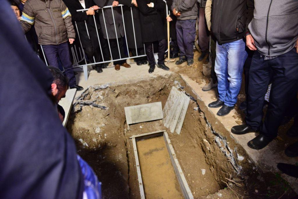 """מההספדים ועד הקבורה: הלווית המקובל רבי ניסים מויאל זצ""""ל"""