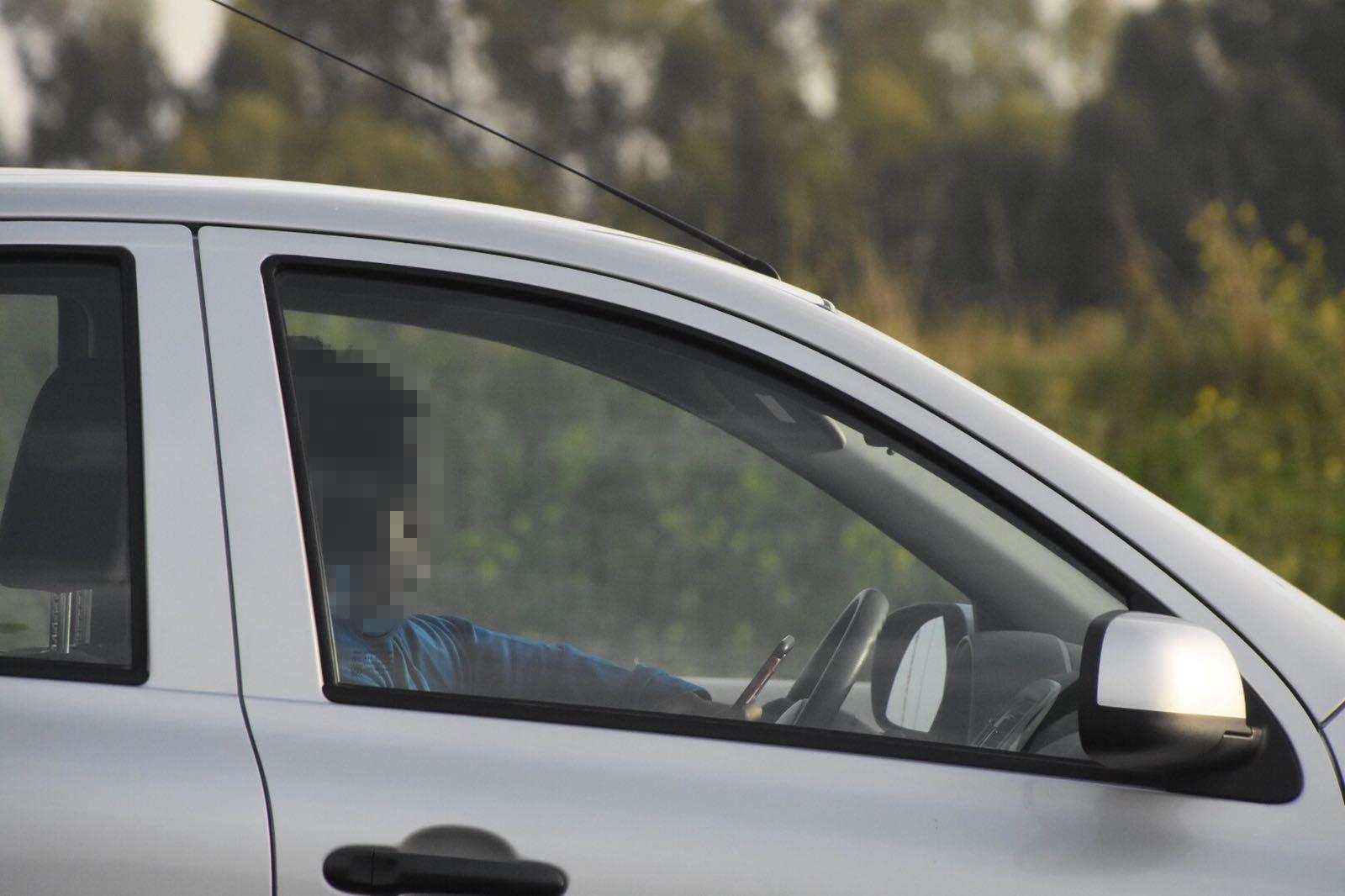 """נהגים הזהרו: 300 דו""""חות ביום על שימוש בטלפון בנהיגה"""