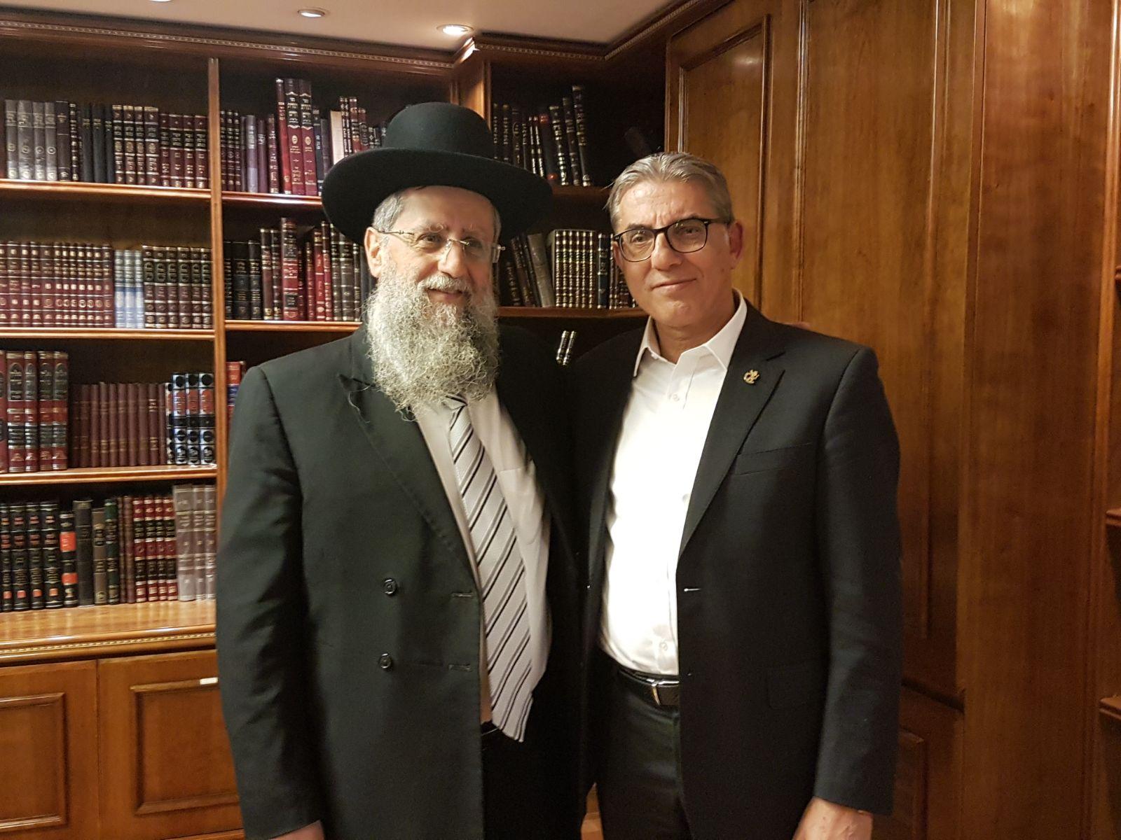 סגן ראש העיר ומועמד לראשותה מאיר תורג`מן בביקר אצל הרב דוד יוסף