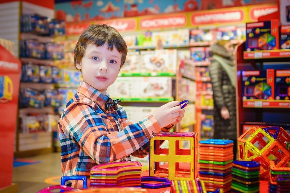 סוגרת סניפים: רשת הצעצועים הגדולה בצרות