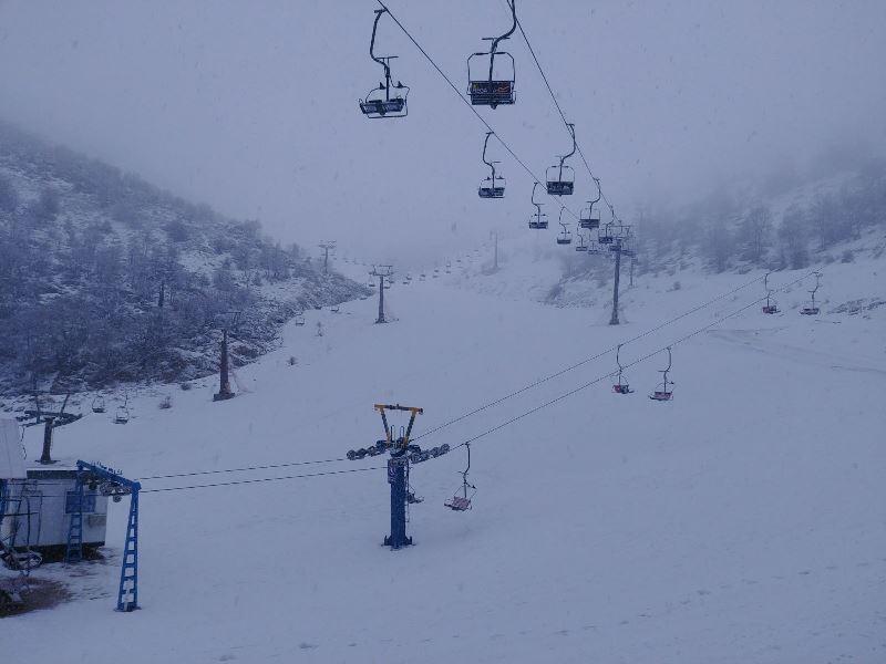 מרהיב: שלג יורד הבוקר בחרמון • וידאו