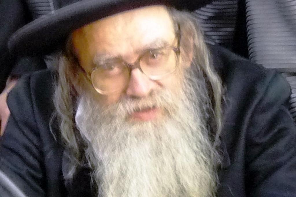 """שעות לפני הפטירה שוחח עם הרבי: רבי משה ראובן אייזנער ז""""ל"""