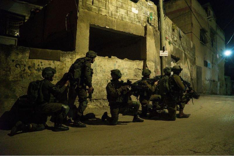 """המצוד אחרי המחבל: הרוג ופצועים פלסטינים בפעילות צה""""ל בשכם"""