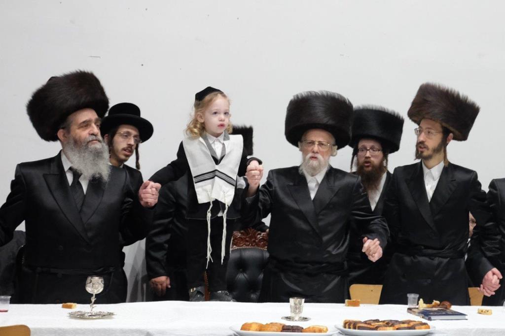 מלונדון לחיפה: חלאק