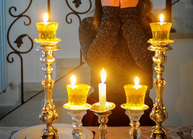 מול הפרובוקציה: נרות שבת וכרוזים ברוסית